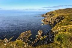 Τραχιοί απότομοι βράχοι στο σημείο Stoer στο σκωτσέζικο Χάιλαντς, Assynt, Σκωτία, Μεγάλη Βρετανία στοκ εικόνες