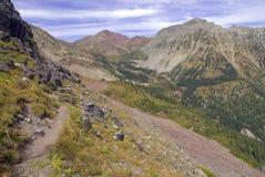 Τραχύ αλπικό τοπίο των καφέ κουδουνιών και της σειράς αλκών, Κολοράντο, δύσκολα βουνά στοκ εικόνα
