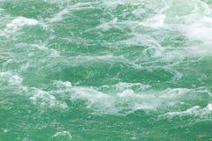 Τραχύ νερό στην επιφάνεια Στοκ Φωτογραφίες