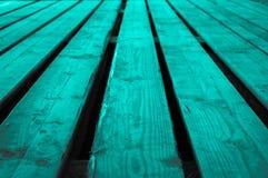 Τραχύ τυρκουάζ γκριζωπό ξύλινο σκηνικό υπόβαθρο grayscale με το λ Στοκ εικόνες με δικαίωμα ελεύθερης χρήσης