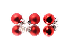 Τρεις αντανακλημένες σφαίρες Χριστουγέννων στοκ φωτογραφία με δικαίωμα ελεύθερης χρήσης