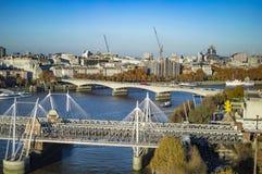 Τρεις γέφυρες του Βατερλώ, ιωβηλαίο και hungerford στον ποταμό Τάμεσης στοκ φωτογραφία με δικαίωμα ελεύθερης χρήσης
