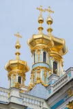 Τρεις θόλοι της κινηματογράφησης σε πρώτο πλάνο εκκλησιών αναζοωγόνησης Παλάτι της Catherine, Tsarskoye Selo στοκ εικόνα με δικαίωμα ελεύθερης χρήσης