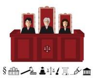 Τρεις δικαστές που κάθονται στο δικαστήριο Απεικόνιση δικαιοσύνης με τα γραπτά εικονίδια judgeship καθορισμένα Στοκ εικόνα με δικαίωμα ελεύθερης χρήσης