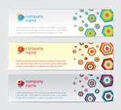 Τρεις κάρτες πρόσκλησης με hexagon στην ανασκόπηση Στοκ Φωτογραφία