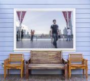Τρεις καρέκλες με την εικόνα θέσης θαμπάδων στο πλαίσιο Στοκ Εικόνες