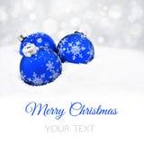 Τρεις μπλε σφαίρες Χριστουγέννων Στοκ εικόνες με δικαίωμα ελεύθερης χρήσης