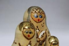 Τρεις να τοποθετηθεί κούκλες Στοκ Εικόνες