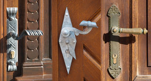 Τρεις πόρτες Στοκ εικόνες με δικαίωμα ελεύθερης χρήσης