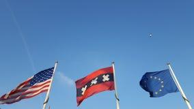 Τρεις σημαίες Στοκ εικόνα με δικαίωμα ελεύθερης χρήσης