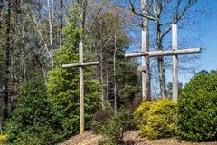 Τρεις σταυροί στην εκκλησία Στοκ φωτογραφία με δικαίωμα ελεύθερης χρήσης