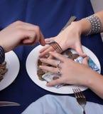 τρεξίματα χρημάτων χεριών δι& Στοκ Εικόνες