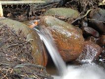 Τρεχούμενο νερό streeks στοκ εικόνα