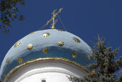 Τριάδα Sergius Lavra στη Ρωσία Θόλος εκκλησιών Dormition Στοκ φωτογραφία με δικαίωμα ελεύθερης χρήσης