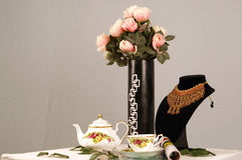 Τριαντάφυλλα και τσάι Στοκ φωτογραφίες με δικαίωμα ελεύθερης χρήσης