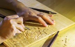 Τριαντάφυλλα Woodcarving Στοκ Φωτογραφίες