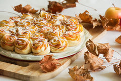 Τριαντάφυλλα της Apple κέικ Στοκ Εικόνες