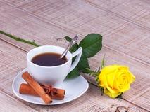 τριαντάφυλλα φλυτζανιών &ka στοκ εικόνα