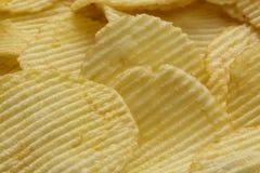 Τριζάτα ραβδωτά τσιπ πατατών Στοκ φωτογραφία με δικαίωμα ελεύθερης χρήσης