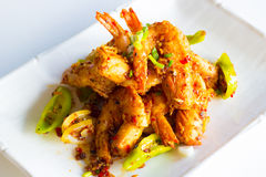 Τριζάτες γαρίδες με το πιπέρι και το κρεμμύδι Στοκ Εικόνα