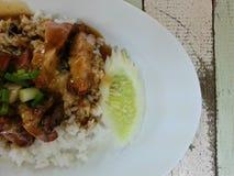 τριζάτο ρύζι χοιρινού κρέατ&o Στοκ Εικόνα