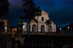 Τρινιδάδ Κούβα ιερή τριάδα εκκλησιών Αργά το βράδυ επιτραπέζια χρήση φωτογραφιών νύχτας τοπίων εγκαταστάσεων εικόνας ανασκόπησης  Στοκ εικόνα με δικαίωμα ελεύθερης χρήσης
