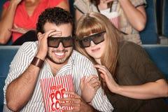 τρισδιάστατα γυαλιά ζευγών που φοβούνται Στοκ εικόνες με δικαίωμα ελεύθερης χρήσης