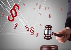 τρισδιάστατα εικονίδια συμβόλων τμημάτων και κτυπώντας gavel δικαστών για τη δικαιοσύνη Στοκ Εικόνα