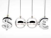 τρισδιάστατες ισορροπώντας σφαίρες έννοιας μονομαχίας ποσοστών νομίσματος Στοκ Φωτογραφία