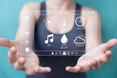 Τρισδιάστατη απόδοση έννοιας σπιτιών eco επιχειρηματιών Στοκ εικόνες με δικαίωμα ελεύθερης χρήσης