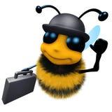 τρισδιάστατη αστεία μέλισσα μελιού κινούμενων σχεδίων που φορά ένα καπέλο σφαιριστών και που φέρνει έναν χαρτοφύλακα Στοκ Φωτογραφία