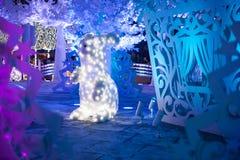 Τρισδιάστατη ελαφριά διακόσμηση Χριστουγέννων υπό μορφή ζώων και δέντρων Στοκ φωτογραφίες με δικαίωμα ελεύθερης χρήσης