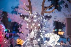 Τρισδιάστατη ελαφριά διακόσμηση Χριστουγέννων υπό μορφή ζώων και δέντρων Στοκ φωτογραφία με δικαίωμα ελεύθερης χρήσης