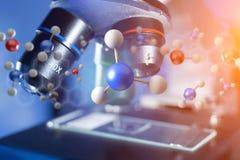 τρισδιάστατο μόριο απόδοσης επιδειγμένη σε μια ιατρική διεπαφή Στοκ Φωτογραφίες