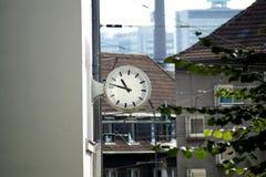 τρισδιάστατη απεικόνιση ρολογιών που απομονώνεται κατεστημένος άσπρος Στοκ εικόνα με δικαίωμα ελεύθερης χρήσης