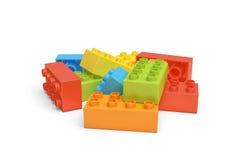 τρισδιάστατη απόδοση διάφορων ζωηρόχρωμων τούβλων LEGO που βρίσκονται στο άσπρο υπόβαθρο Στοκ φωτογραφία με δικαίωμα ελεύθερης χρήσης