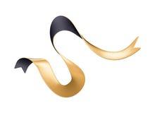 τρισδιάστατη δυναμική χρυσή μαύρη κορδέλλα που απομονώνεται στο άσπρο υπόβαθρο Στοκ εικόνες με δικαίωμα ελεύθερης χρήσης