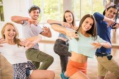 τρισδιάστατοι όμορφοι χορεύοντας διαστατικοί άνθρωποι τρία απεικόνισης πολύ Στοκ Εικόνες