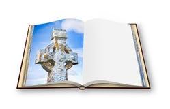 τρισδιάστατος δώστε ανοιγμένο photobook απομονωμένος στα άσπρα WI υποβάθρου Στοκ εικόνες με δικαίωμα ελεύθερης χρήσης