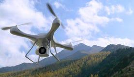 τρισδιάστατος δώστε τα βουνά quadrocopters στο υπόβαθρο Ραδιο-contr-εκπέμψτε σήμα ελεύθερη απεικόνιση δικαιώματος