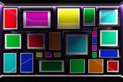 τρισδιάστατο εσωτερικό απεικόνισης Σχήματα και τοίχος που κρεμιούνται με τα ζωηρόχρωμα έργα ζωγραφικής εντελώς απεικόνιση αποθεμάτων
