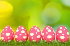τρισδιάστατο ρόδινο χρώμα αυγών Πάσχας απεικόνισης διανυσματική απεικόνιση