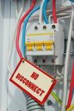 Σημάδια ενός ηλεκτρικού διακόπτη και απαγόρευσης Στοκ φωτογραφίες με δικαίωμα ελεύθερης χρήσης