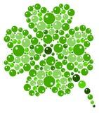 Τριφύλλι τέσσερις-φύλλων από τις πράσινες φυσαλίδες Στοκ Εικόνα