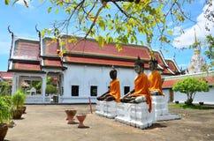 Τριών Βούδας αδελφός στο ναό Wat Phra Borommathat Chaiya Στοκ φωτογραφία με δικαίωμα ελεύθερης χρήσης