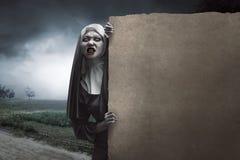 Τρομακτική καλόγρια διαβόλων Στοκ εικόνα με δικαίωμα ελεύθερης χρήσης