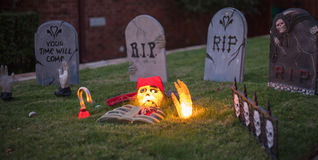 Τρομακτικό νεκροταφείο R.I.P αποκριών. Στοκ Φωτογραφίες