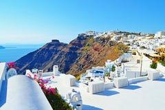 Τρομερή του χωριού άποψη Κυκλάδες Ελλάδα νησιών Santorini Στοκ Φωτογραφία