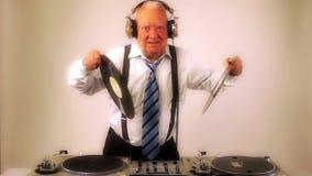 Τρομερό grandpa DJ απόθεμα βίντεο