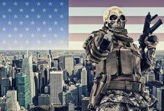 Τρομοκράτης με την πόλη της Νέας Υόρκης Στοκ Εικόνες